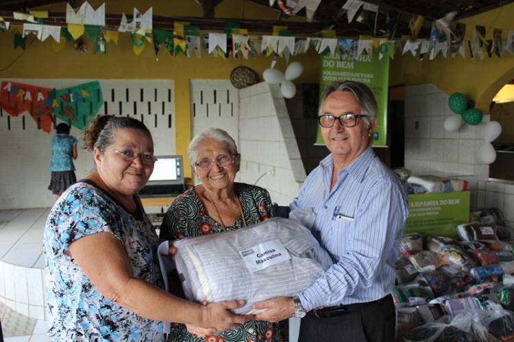 Entrega de donativos à Vila Vicentina