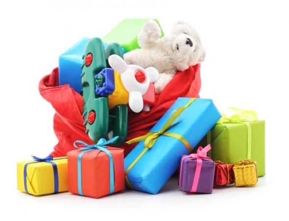 Brinquedos podem ser doados até esta quarta para campanha