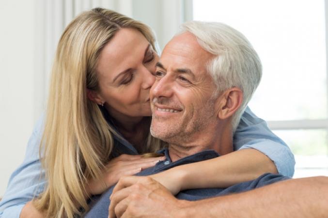 Sexo aos 50 anos será tema de entrevista em programa de rádio