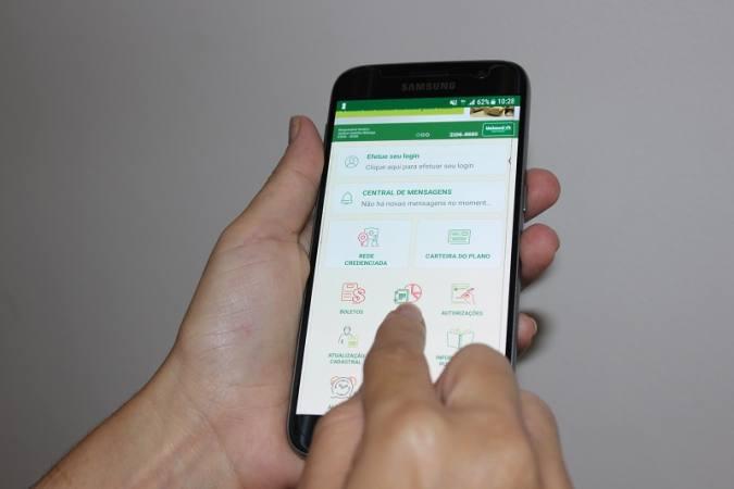 Facilidades na palma da mão: com um click, o cliente tem acesso a serviços e informações