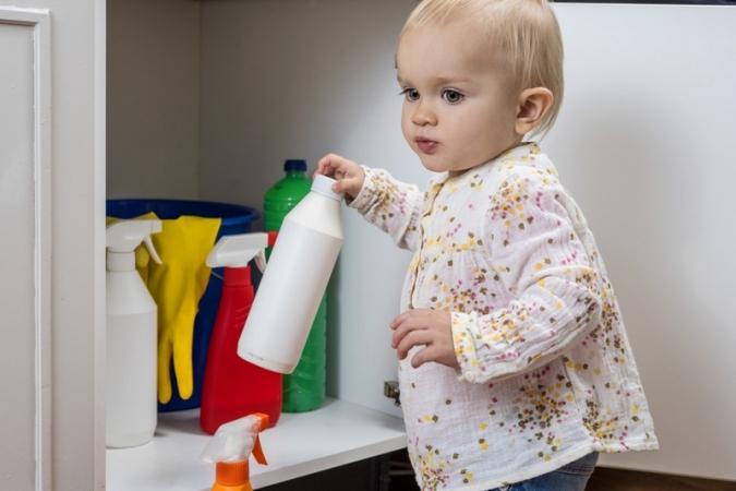 Saiba o que fazer para prevenir acidentes domésticos com crianças