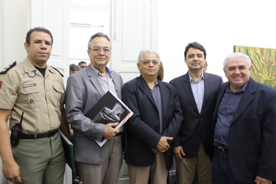 Representantes da Unimed JP e da Seds durante solenidade: reconhecimento à inovação