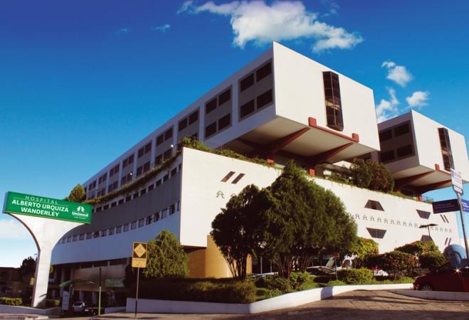 Paciente recebe alta após transplante de fígado no Hospital Alberto Urquiza