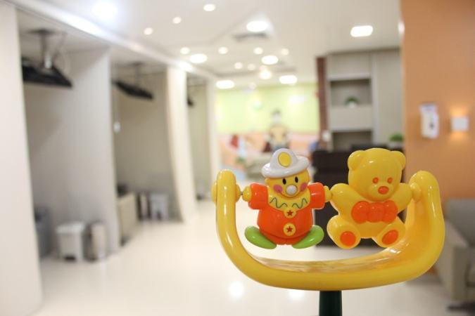 Ambiente bem estruturado e acolhedor traz conforto e comodidade para os pacientes