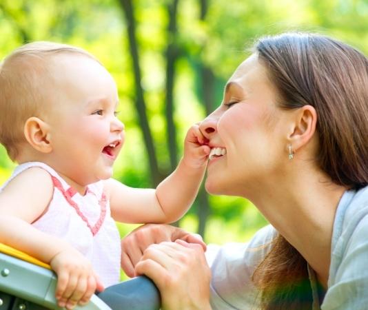 Atividades orientam clientes para gravidez saudável e para cuidados com os bebês