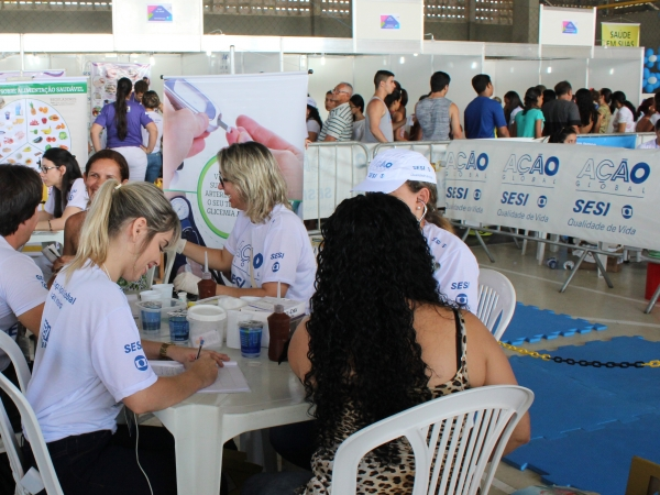 Unimed João Pessoa leva serviços de saúde e zumba para a Ação Global