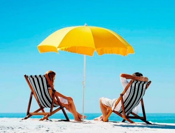 As atividades ao ar livre aumentam durante o verão: cuidados com a pele redobrados