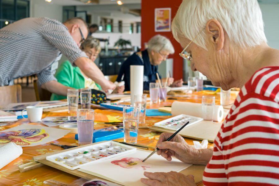 Campanha para ajudar instituições que cuidam de idosos na Capital irá até o próximo dia 20
