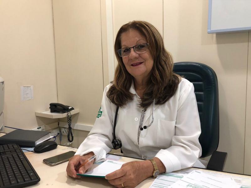 Médica pediatra Lúcia Perrusi alerta para o uso correto dos medicamentos: tratamento adequado
