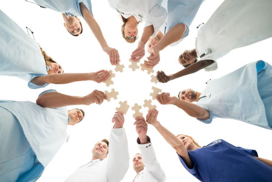 As cooperativas adotam práticas que incentivam a inovação e o compromisso com a coletividade