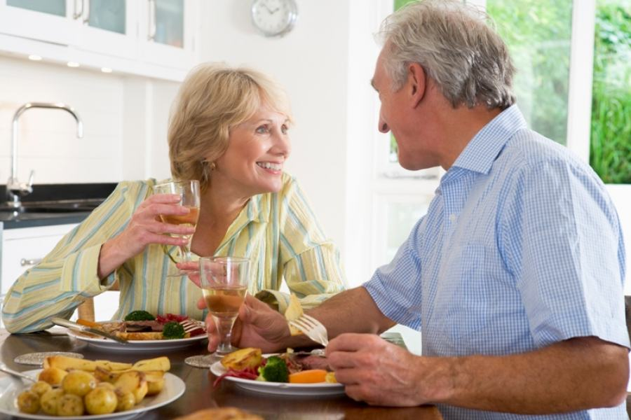 Benefícios de uma boa alimentação na terceira idade; siga as dicas