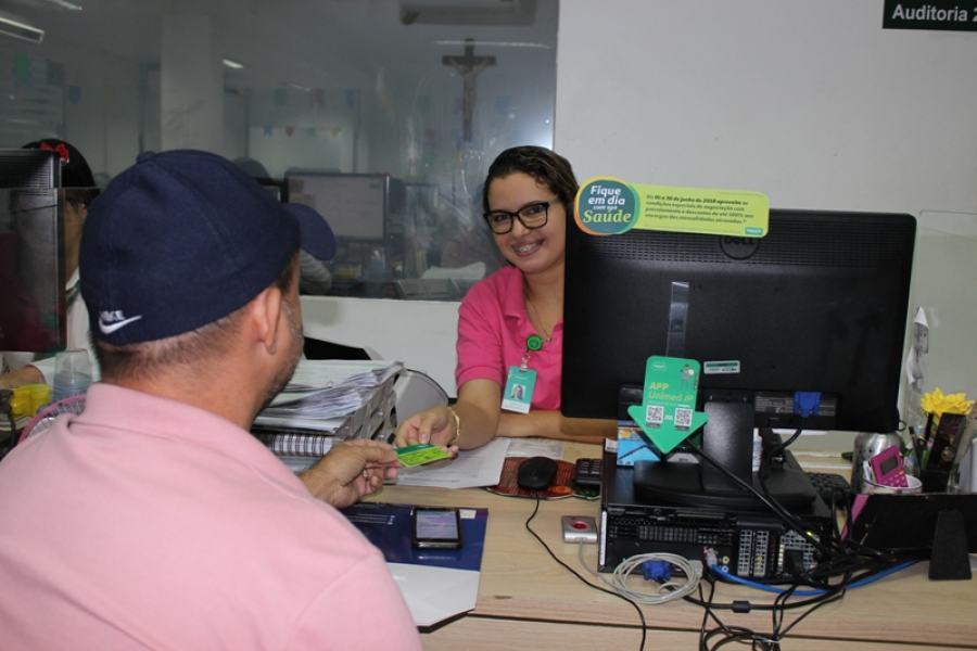 A inclusão do débito em conta deve ser feito no Detor de Atendimento ao Cliente, na Operadora