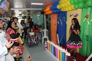 Música e muita alegria para animar os pequenos pacientes internados no Hospital Alberto Urquiza