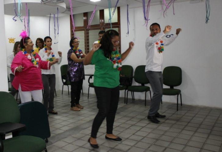Grupo 60 + Feliz comemora Carnaval