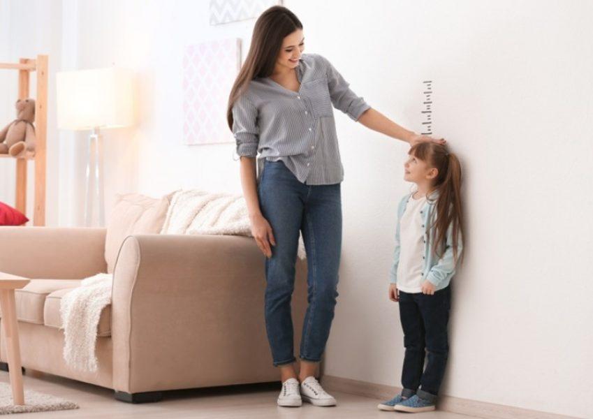 Os pais e o médico devem acompanhar o cresicmento da criança: avaliação periódica