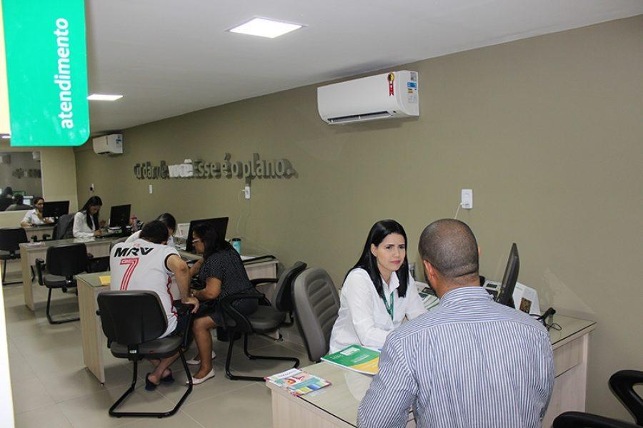Equipe de vendas está à disposição para informar sobre vantagens e benefícios dos planos de saúde