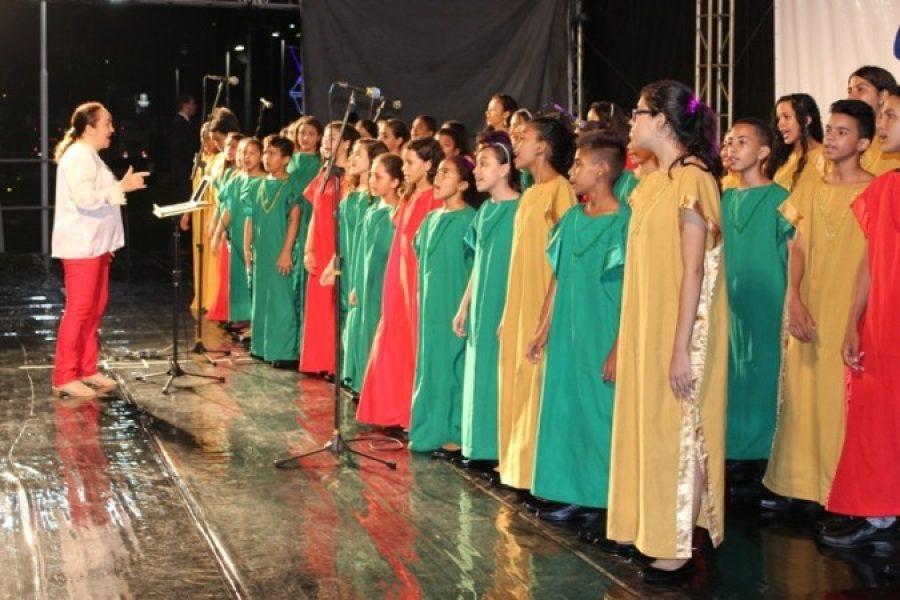 Integrantes do Coral Jovem Unimed JP aprendem música e cidadania: educação e capacitação