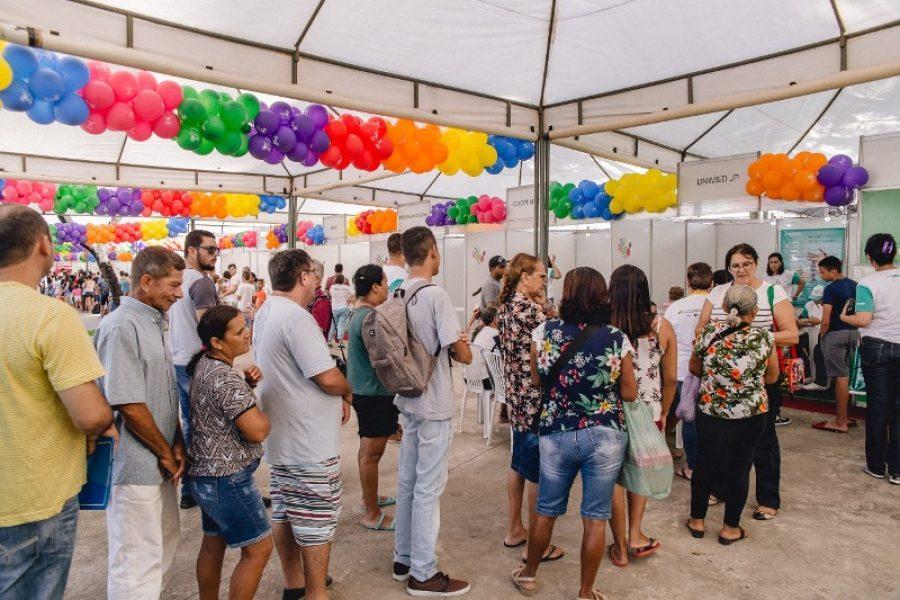 Na ação, as pessoas fizeram fila para receber orientações sobre saúde e qualidade de vida