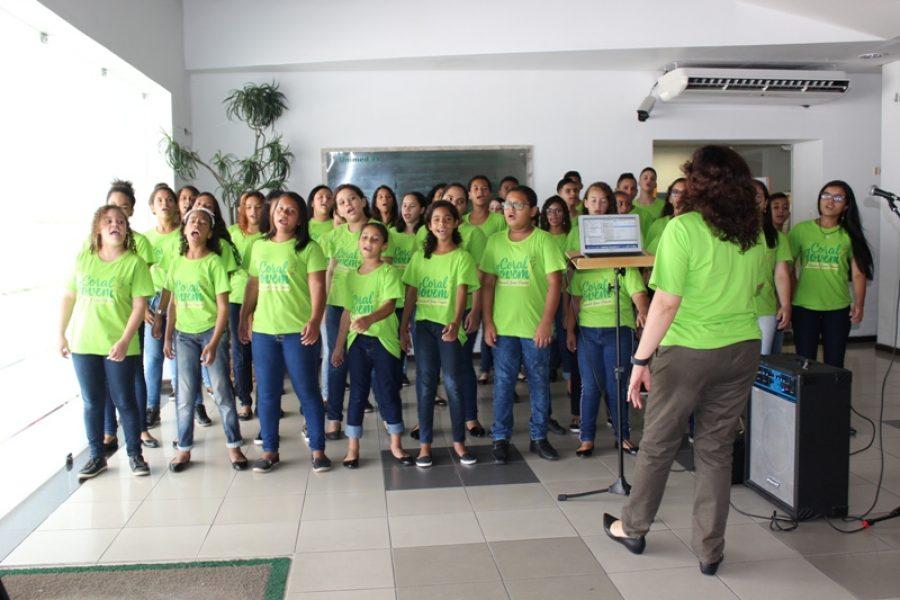 Crianças e adolescentes integram o Coral: educação e cidadania através da música