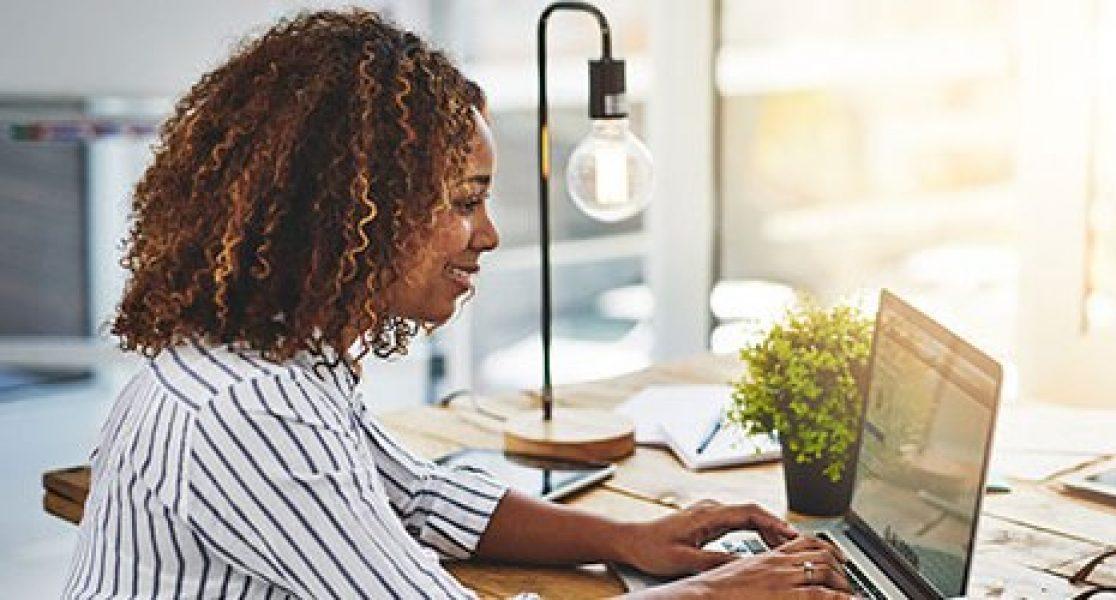 Em casa ou no trabalho, trace um plano de tarefas que você tem que cumprir, e detalhe tudo