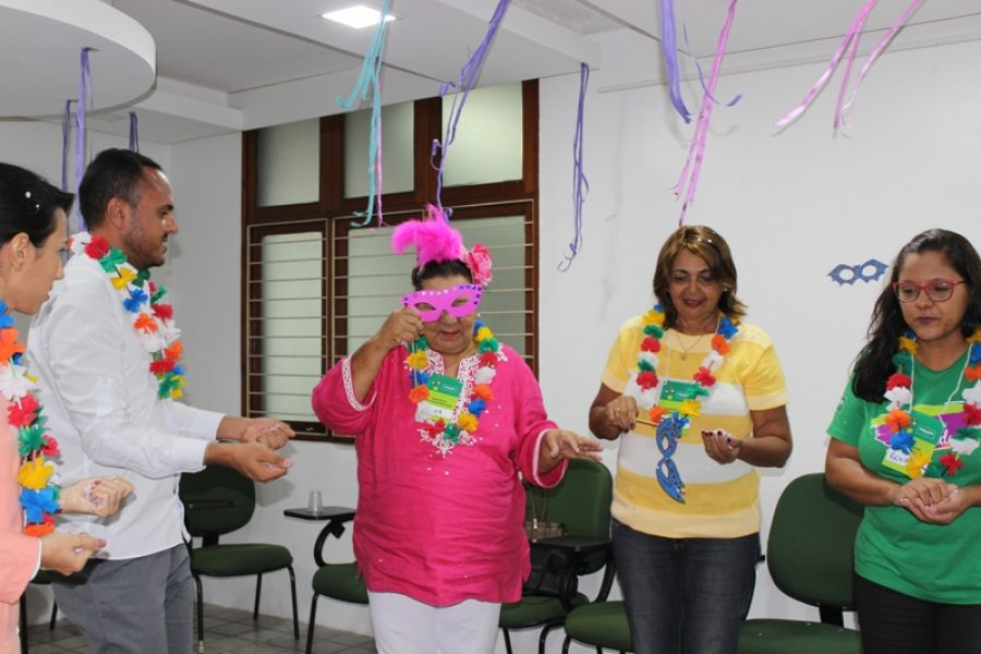 Grupo 60+Feliz ganha comemoração de carnaval; veja como foi a folia