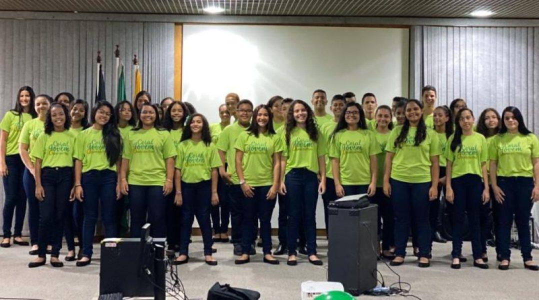 Coral Jovem Unimed JP canta na abertura da campanha dos Correios