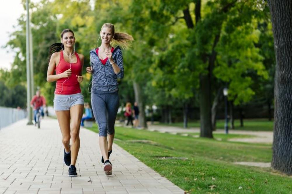 Hábitos saudáveis podem reduzir dores de cabeça; confira orientações
