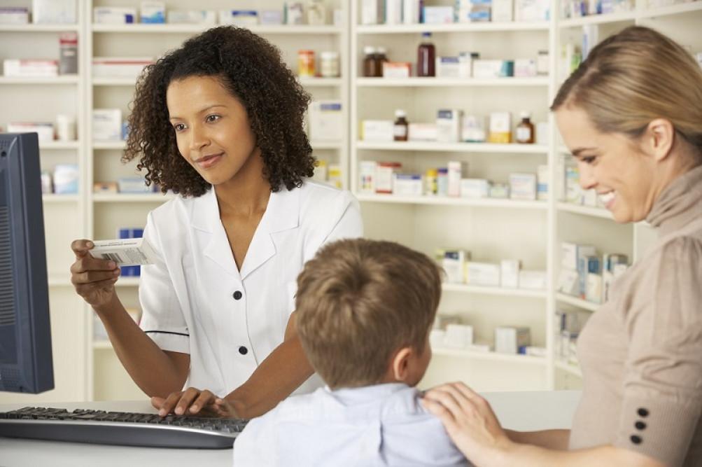 A automedicação é um hábito comum a 77% dos brasileiros: risco à saúde